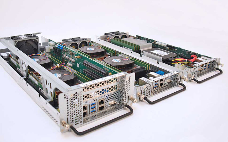 1U and 2U Server Blades able to run various Aerospace applications