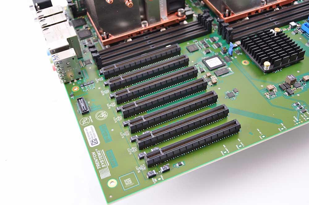 3U Servers PCIe Slots Default