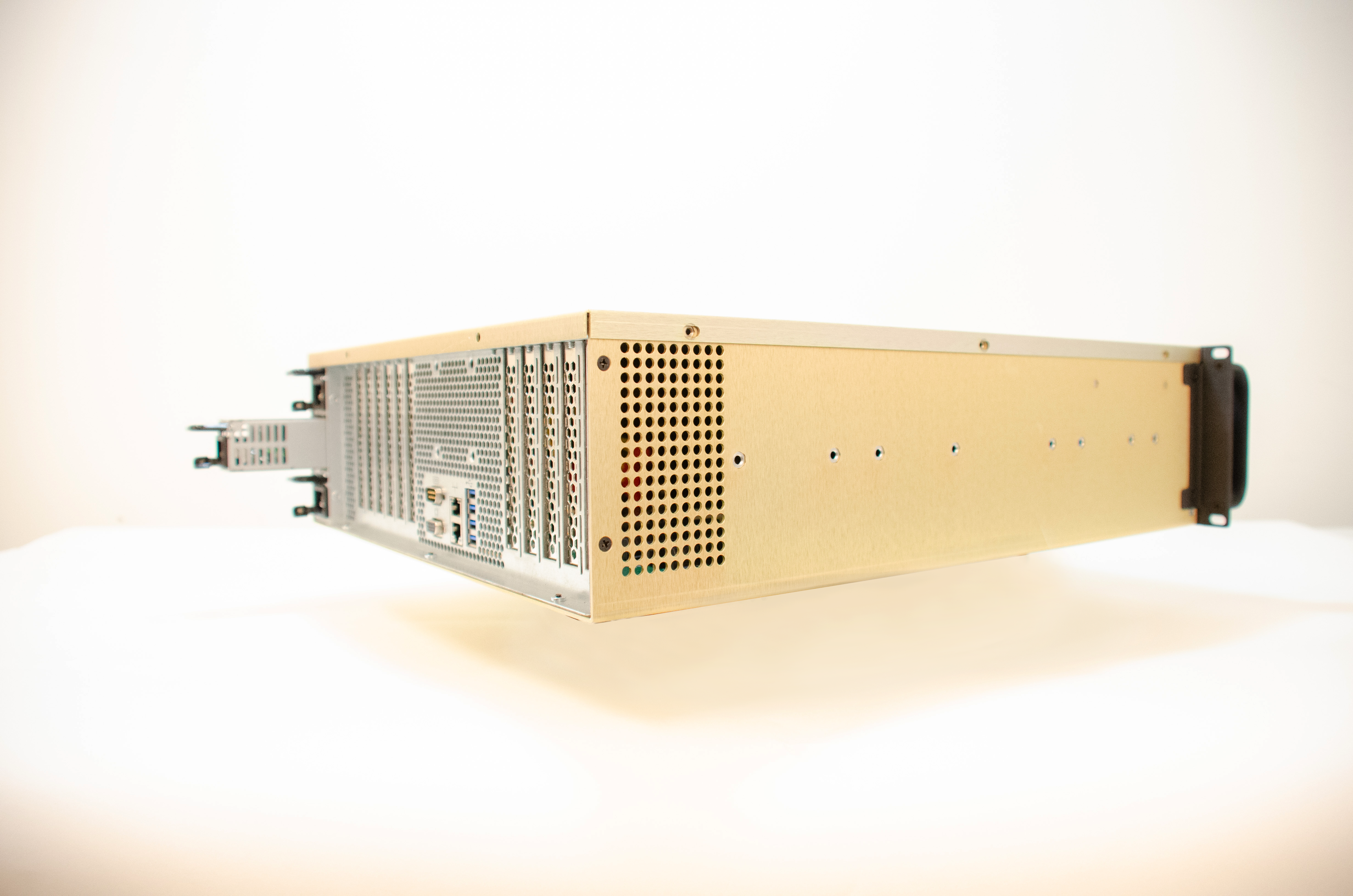 This is a rear, side-angle photo of the 3U BAM Server.