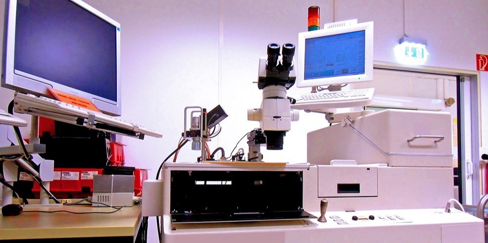 A silicone wafer test station