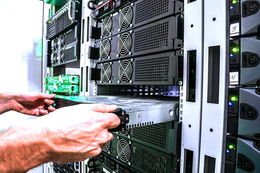 What is a Rack Server? [Definition, Examples & Use Cases]